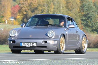 Porsche 964 mit 18 Zoll BBS E88