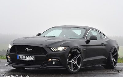 Ford Mustang mit 20 Zoll Oxigin 18