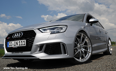 Brandneuer Audi RS3 mit 20 Zoll OZ Leggera HLT