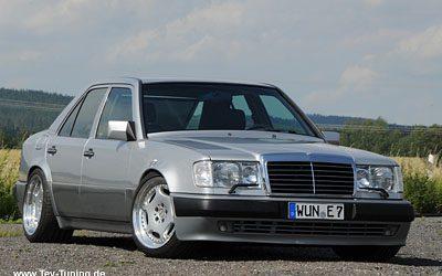 Mercedes Benz E500 W124 mit 18 Zoll Carlsson 2/6 Räder